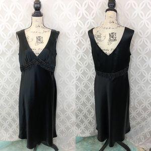Jones New York Bead Slip Black V-Neck Dress